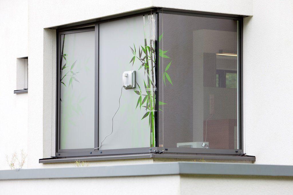 Comment nettoyer les vitres inaccessibles efficacement - Fenetre coulissante pour veranda ...